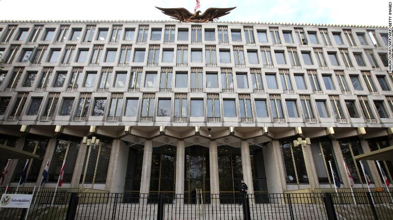 The US embassy in central London is pictured on November 6, 2009.