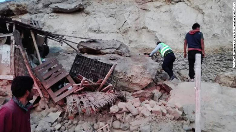 7 1 Magnitude Earthquake Rattles Peru
