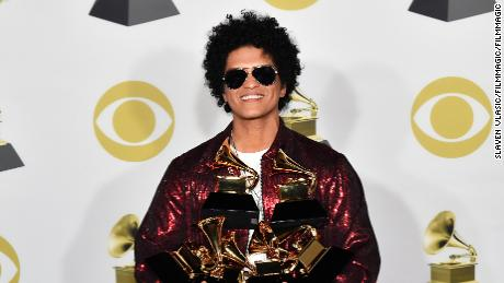 After Bruno Mars is accused of cultural appropriation, black celebrities come to his defense