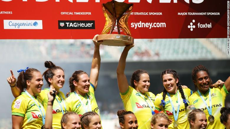 SYDNEY, AUSTRALIA - JANUARY 28:  Australia celebrate victory after defeating New Zealand in the Women's Final match during day three of the 2018 Sydney Sevens at Allianz Stadium on January 28, 2018 in Sydney, Australia.  (Photo by Matt King/Getty Images)