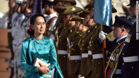 Aung San Suu Kyi admits Rohingya crisis 'could have been handled better'