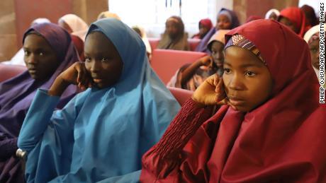 Nigeria's President meets freed Dapchi schoolgirls