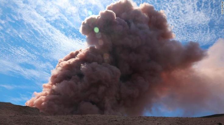 https://i1.wp.com/cdn.cnn.com/cnnnext/dam/assets/180504033145-bt105-hawaii-volcano-05042018-exlarge-169.jpg?w=736&ssl=1