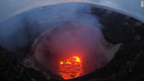Volcanologist: Why Hawaii's volcano is in danger of going ballistic