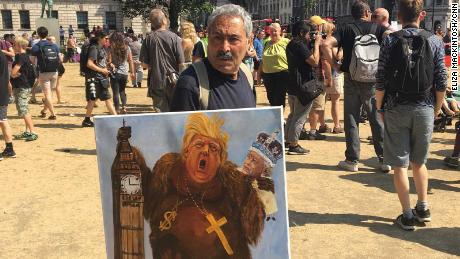 Kaya Mar, a 61-year-old Spaniard who has lived in the UK for 42 years, painted Trump as a primitive King Kong that hijacked the Queen.