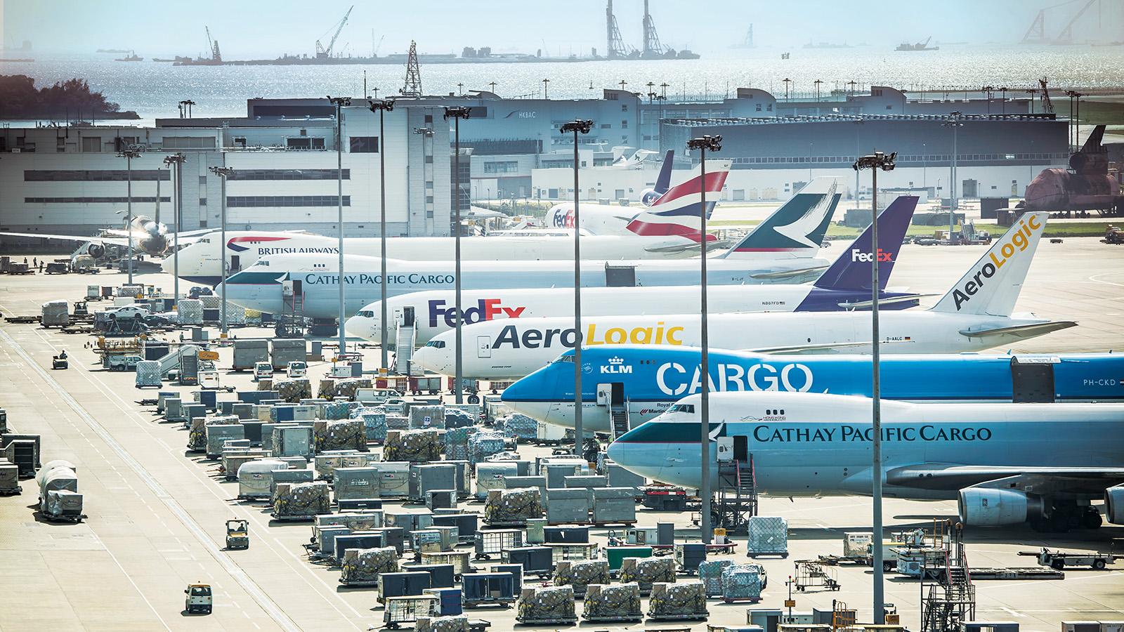 Resultado de imagen para hong kong airport