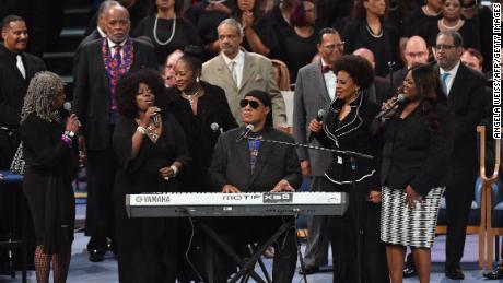 Stevie Wonder: Make love great again