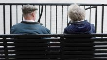 Бедные умирают почти на 10 лет моложе богатых в Великобритании, говорится в исследовании