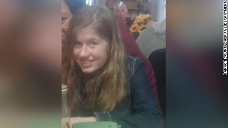How Jayme Closs turned up & # 39; like a ghost & # 39; on a Wisconsin street 70 miles from where her parents were shot dead