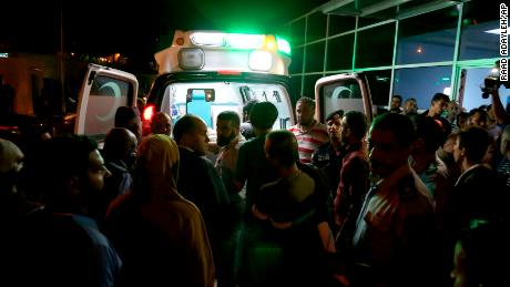 The flash floods of Jordan kill at least 19, including children on a trip