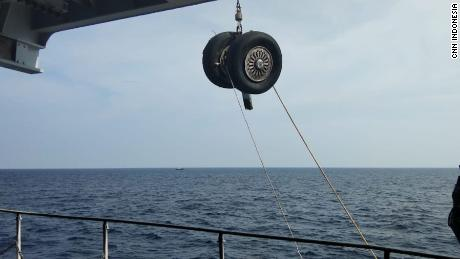 A wheel of the crashed Lion Air Flight JT610 was pulled out of the sea by the Indonesian authorities on November 2, 2018.