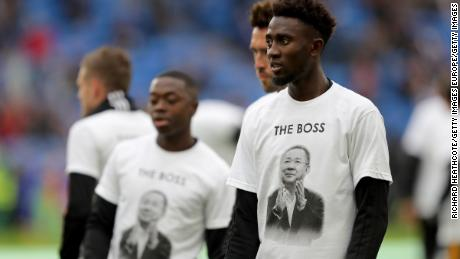 Onyinye Wilfred Ndidi of Leicester City looks on as he warms up while wearing a commemorative t-shirt prior to the match.