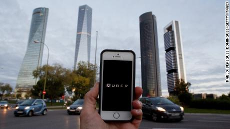 Uber losses top $1 billion on road to IPO
