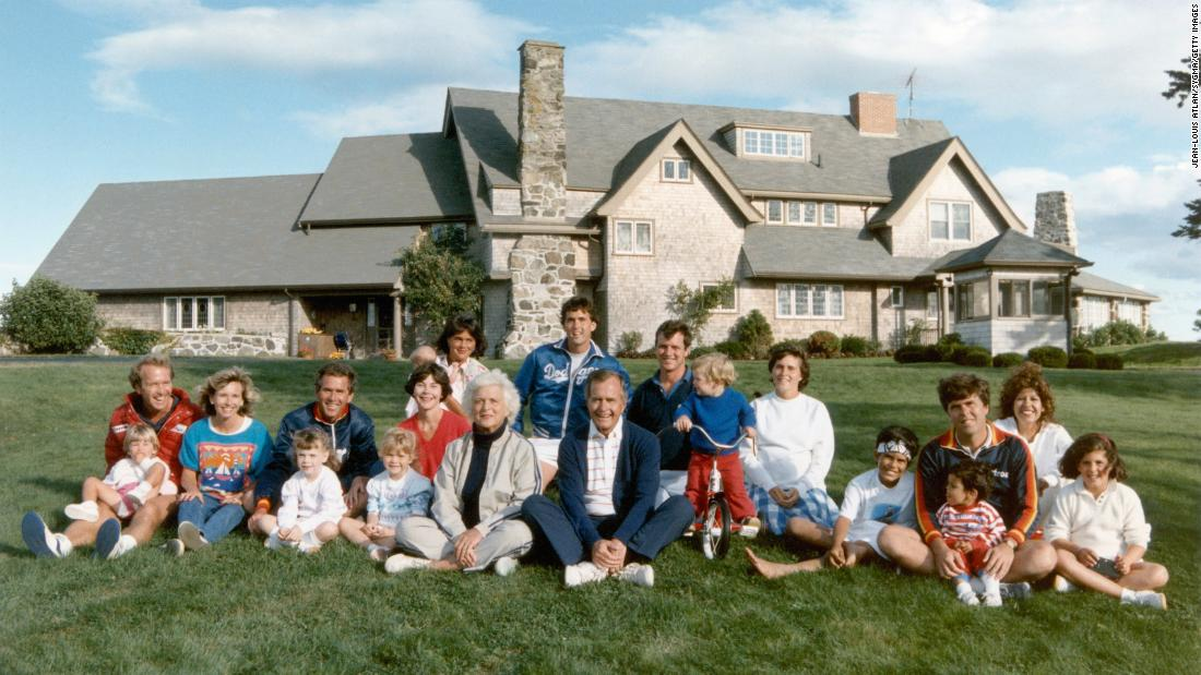 The Bushes pose for a 1986 photo in Kennebunkport, Maine.