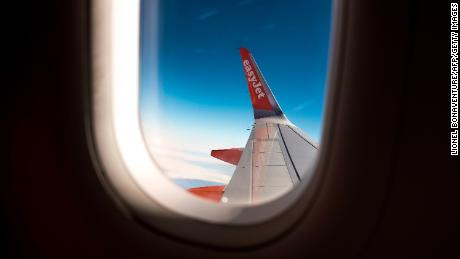 EasyJet proposes leaving middle seats empty to cut virus risk