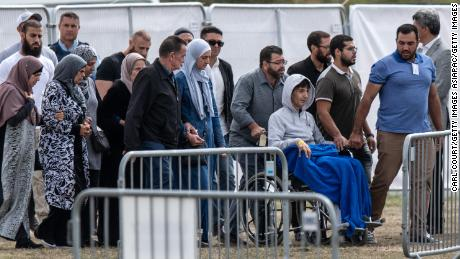 Un réfugié syrien et son fils sont les premières victimes à être enterrés à Christchurch
