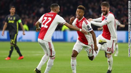 David Neres celebrates after leveling for Ajax against Juventus.