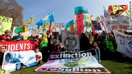 Extinction Rebellion protesters begin blockade of central London