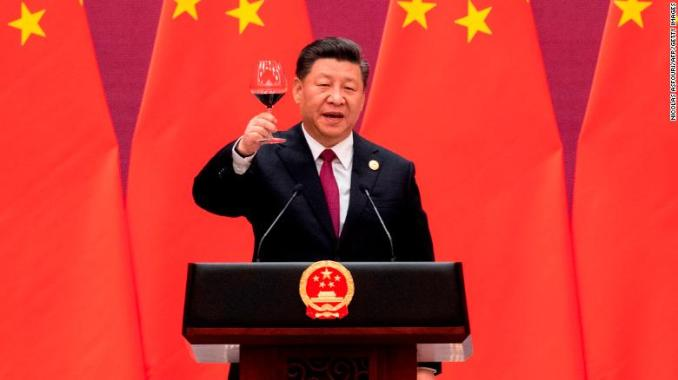 China's President Xi Jinping proposes a toast at the Belt and Road Forum in Beijing on April 26, 2019.