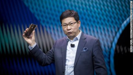 US loosens restrictions on Huawei products temporarily