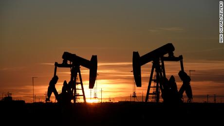 The US oil boom will break further records this year. OPEC is stuck in the retreat