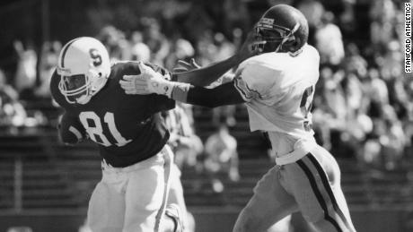 Cory Booker (#81) plays against USC at Stanford on Oct. 13, 1990. (Photo/Stanford Athletics)