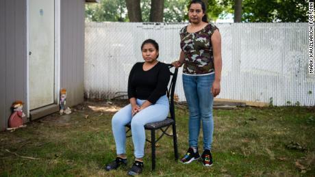 Jessica Gámez Garcia, right, and Zoila Leticia Gámez Garcia pose for a portrait.