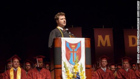 In 2017 Lindsay shared his story to graduates at his alma mater, De Smet Jesuit High School in St. Louis.