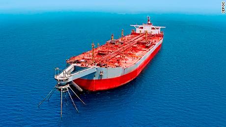 Decaying tanker near Yemeni coast threatens 'catastrophic explosion'