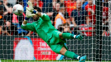Claudio Bravo's decisive save in the shootout gave Manchester City victory.