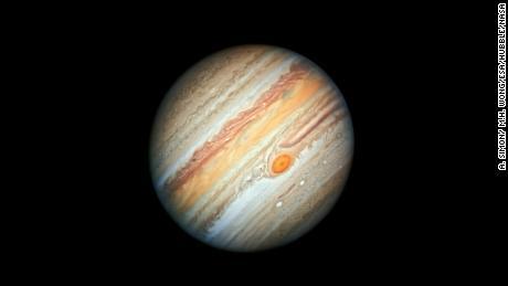 Jupiter's new portrait snapped by Hubble