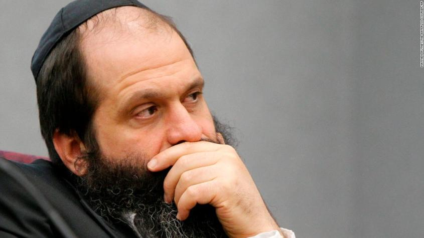 Defendant Sholom Rubashkin listens to Rodney Heaston, not pictured, with Mechanical Industrial Services, testify during trial at the Black Hawk County Courthouse in Waterloo, Iowa on Tuesday, June 1, 2010. Rubashkin faces 83 counts of child labor violations stemming from a May 2008 immigration raid at the Agriprocessors Inc. kosher meatpacking plant in Postville. (AP Photo/The Waterloo Courier, Matthew Putney)
