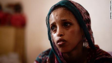 ผู้อพยพระบุว่าถูกทรมานและข่มขืนระหว่างเดินทางไปลิเบียที่เต็มไปด้วยอันตราย