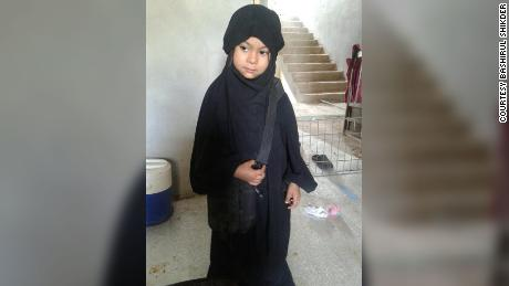 Zahra dressed in all black during her time in Raqqa.