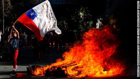 Disordini e proteste in Cile hanno portato nel 2019 Copa Libertadores di essere trasferito a Lima, in Perù.