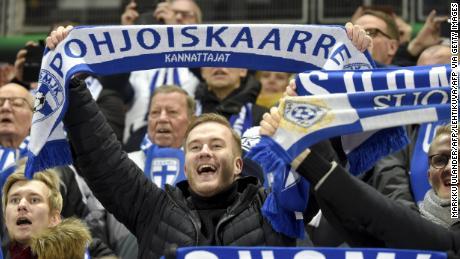 Euro 2020: la Gioia di vivere in Finlandia, come uomini's team si qualifica per un importante torneo di calcio per la prima volta
