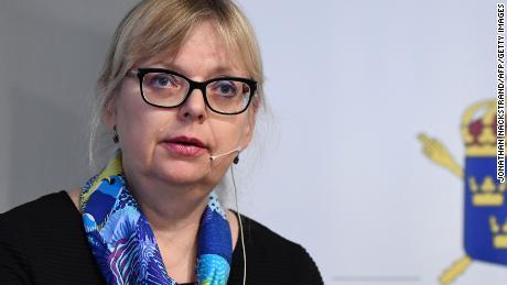 Vice Direttore della Pubblica Accusa Eva-Maria Persson, parla ai giornalisti il giovedi.