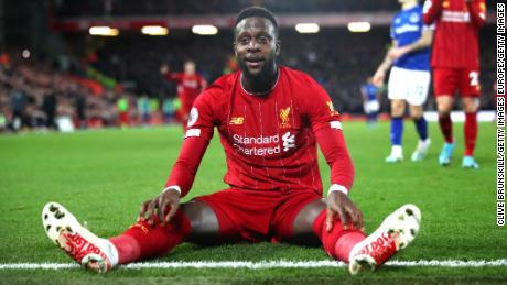 Divock Ori di Liverpool ha messo nel sacco una doppia Liverpool, sconfitto croce rivali dell'Everton 5-2 rimanere in controllo della Premier League per la gara.