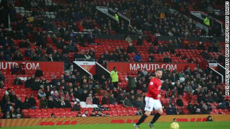 Posti vuoti sono visti intorno a Old Trafford durante la partita tra Manchester United e Juventus.