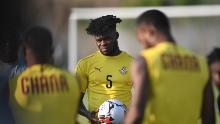 Partey (C) participates in a training session at the Ismailia stadium, on June 28, 2019, on the eve of the 2019 Africa Cup of Nations (CAN) group F soccer match between Cameroon and Ghana.