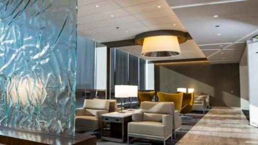 Access United Clubs like the one at Chicago's O'Hare airport with the United Club Infinite Card.