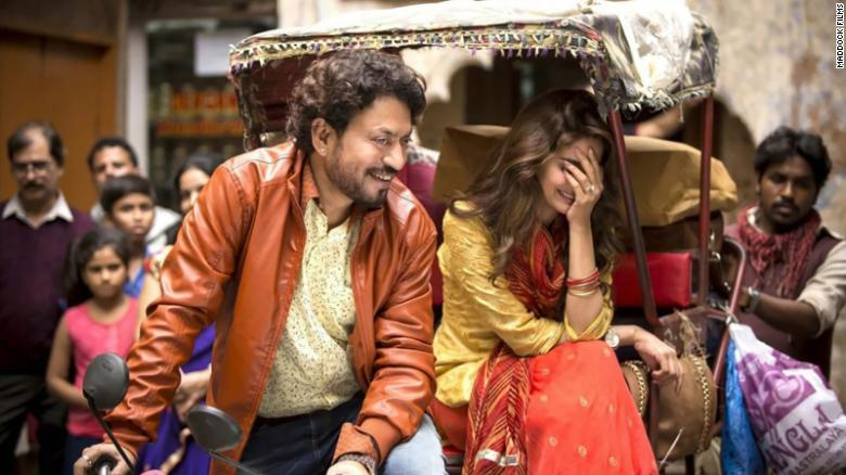 Irrfan Khan and Saba Qamar in Hindi Medium (2017).