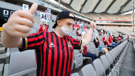 FC Seoul si è scusato con i fan su le bambole.