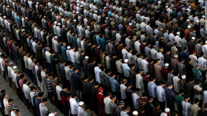 Indonesia Has The World S Biggest Muslim Population It Just Banned Holiday Travel Over Ramadan Cnn