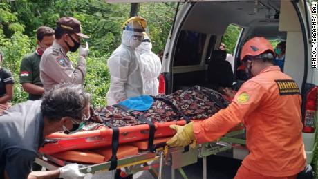 ชายชาวอังกฤษได้รับการช่วยเหลือหลังจากติดอยู่ในบ่อน้ำในบาหลีหกวัน