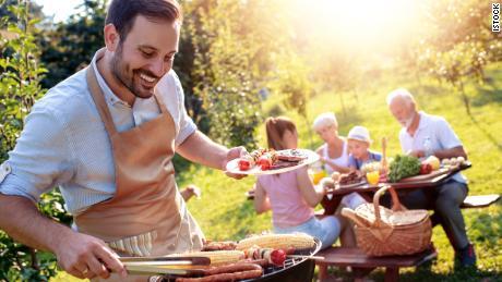 Как провести социально удаленную летнюю вечеринку