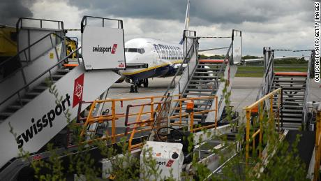 4,000 airport jobs in UK and Ireland as Swissport cuts manpower