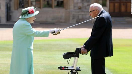 Captain Tom Moore knighted by Queen after raising millions ...