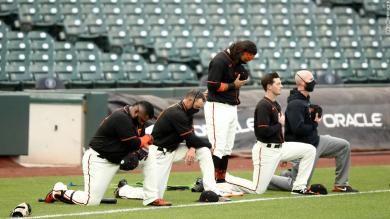 Giants manager says 'nothing more patriotic than peaceful protests' after Trump criticizes team for kneeling during national anthem