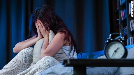 Plus de femmes que d'hommes ont du mal à s'endormir en Europe et aux États-Unis, selon une étude